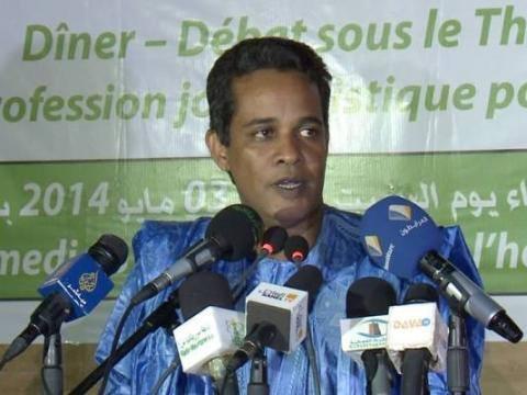 الاعلامي أحمد ولد محمدو